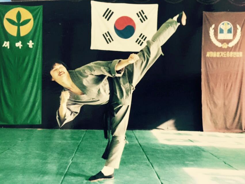 Senior Grand Master Hee Kwan Lee